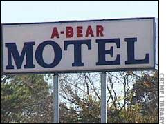 http://serial-killers.ucoz.com/serial-killers/photo/go1/13/PG-A-Bear-Motel-sign.jpg