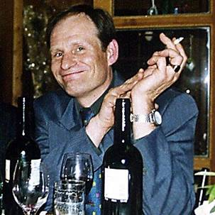 http://serial-killers.ucoz.com/serial-killers/photo/go1/8/Armin_Meiwes.jpg